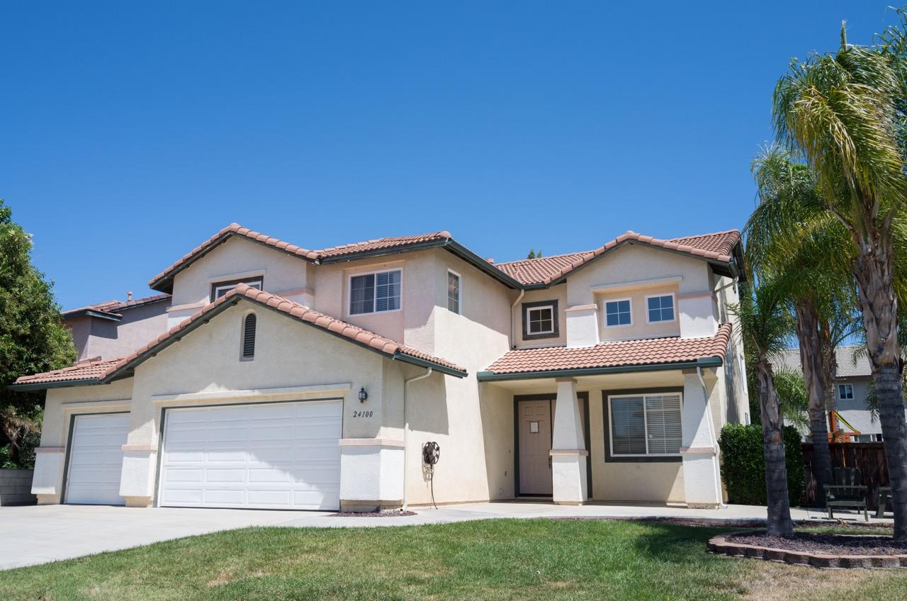 24100 Chatenay Lane, Murrieta, CA  92562