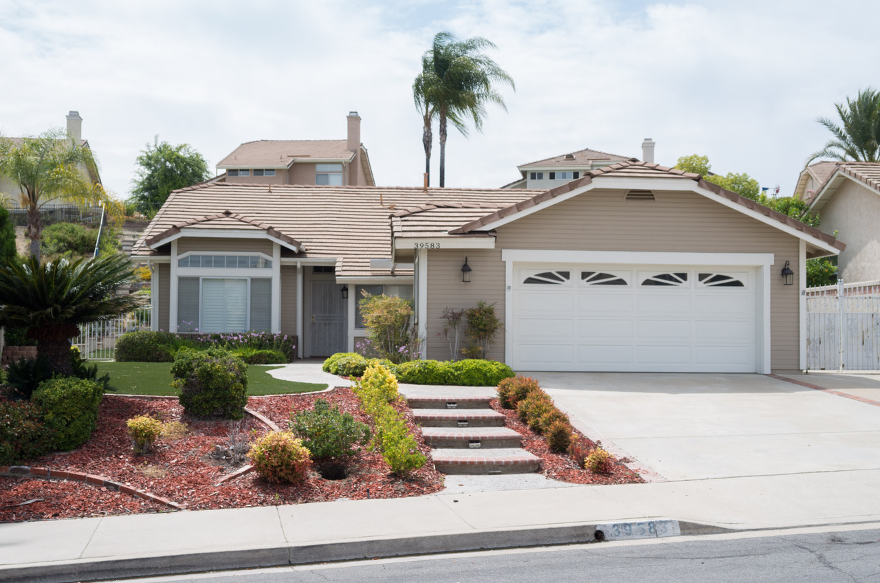 39583 Via Dominique, Murrieta, CA  92563