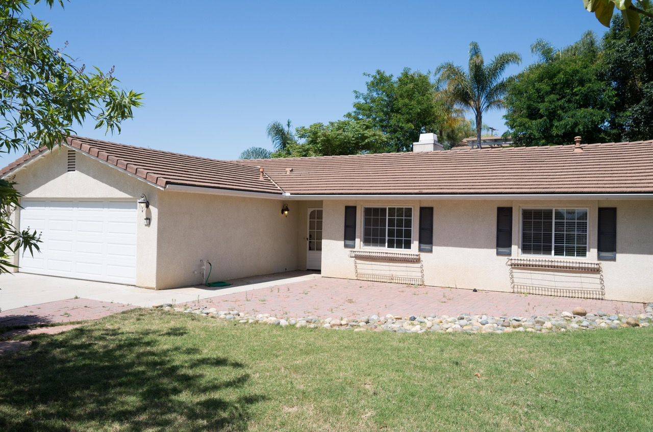 603 Summit Avenue, Fallbrook, CA  92028