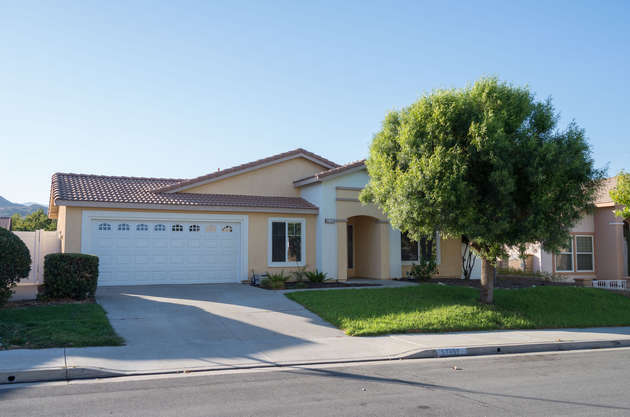 37197 Wild Rose Lane, Murrieta CA. 92592