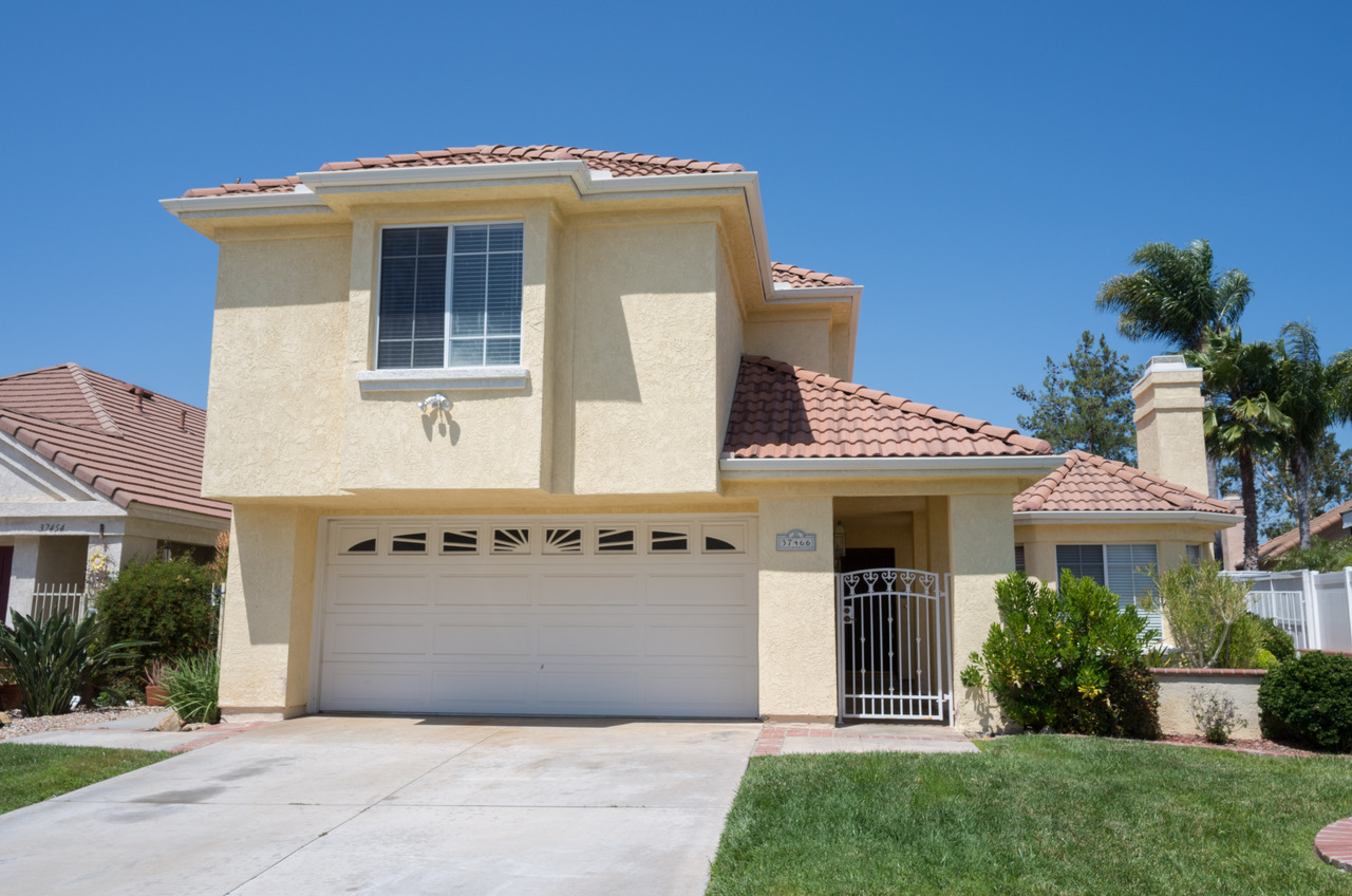 37466 Vineyard Knoll Drive, Murrieta, CA  92562