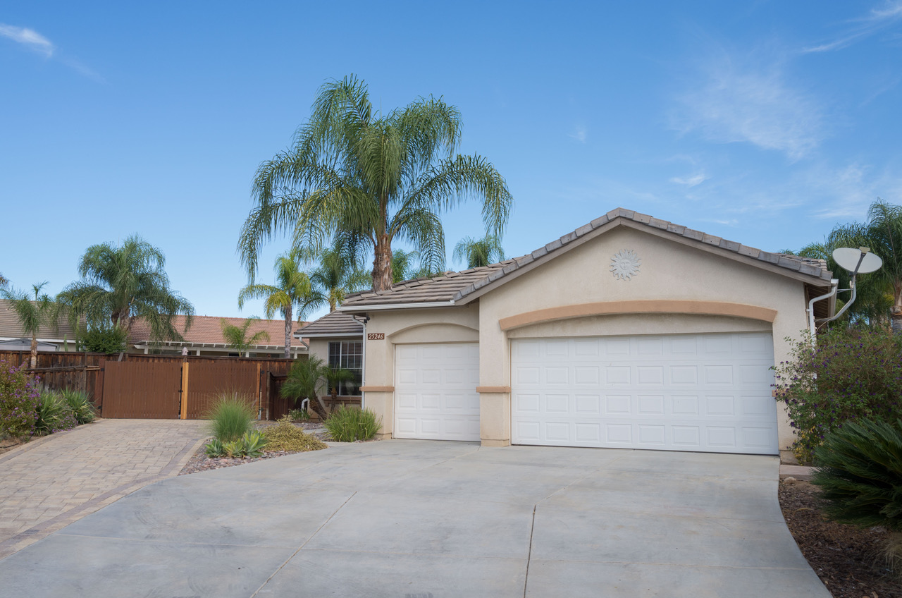 25246 Shady Creek Circle, Menifee, CA  92584